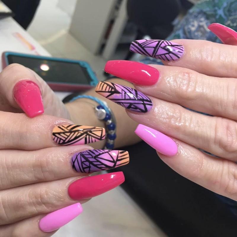 Chaq\'s nails | Karisma Salon Suites